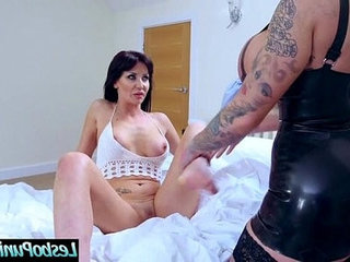 Hard punish with sex toys between lesbos candy and jennifer vid