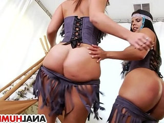Lesbian anal fun with diamond kitty and kelsi monroe